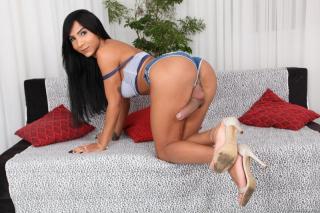 Tgirl Hottie Yasmin Barebacking